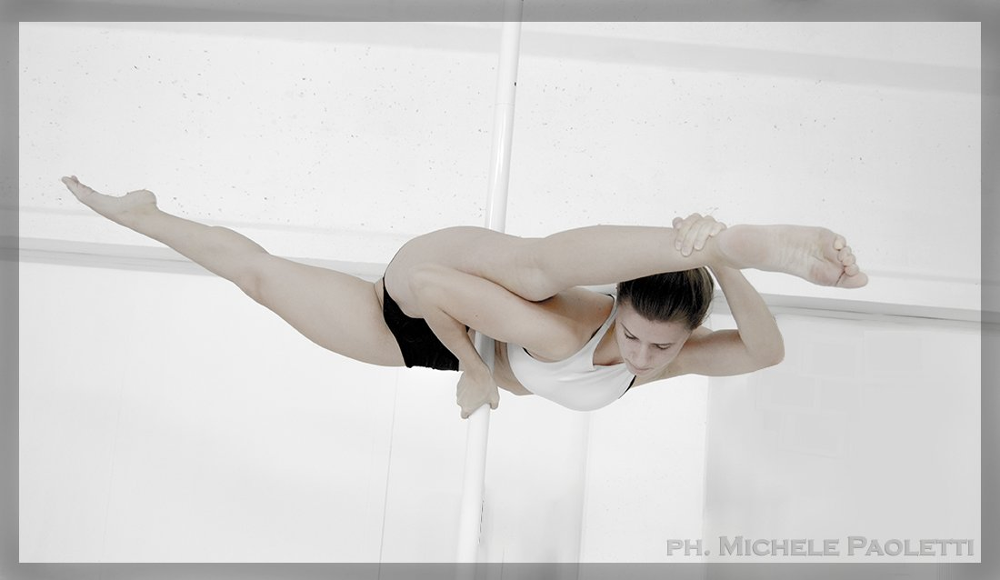 Pole Dance Photo Artist